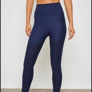 Nike Womens Sculp Lux Tight Fit training Run Pant
